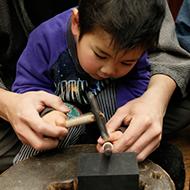東京の伝統工芸 東京銀器 制作体験