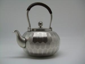 純銀製亀甲縦筋湯沸し